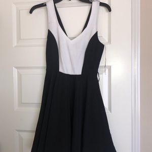 Like New Low-cut Mini Dress